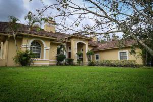 8852 154th Court, Palm Beach Gardens, FL 33418