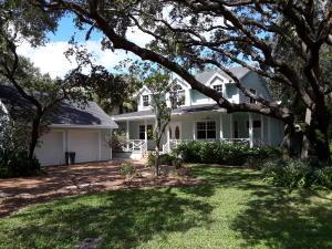 2585 Natures Way, Palm Beach Gardens, FL 33410