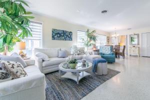 123 Venetian Drive, C, Delray Beach, FL 33483
