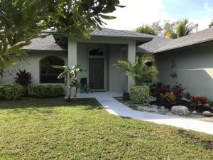 9102 SE Pomona Street, Hobe Sound, FL 33455