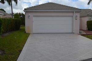 1048 Island Manor Drive, Greenacres, FL 33413