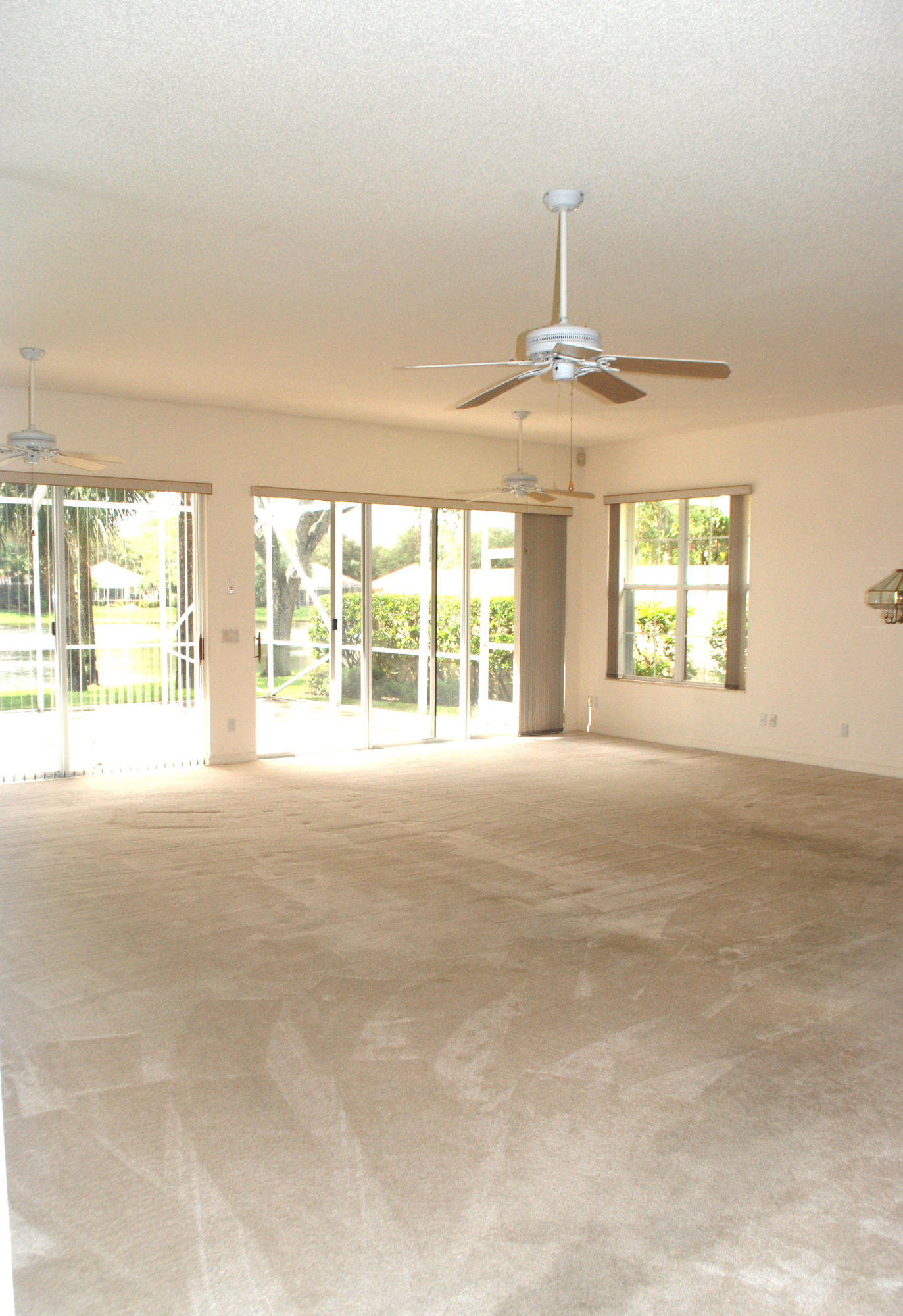 174 Tall Oaks Circle, Palm Beach Gardens, Florida 33410, 3 Bedrooms Bedrooms, ,2 BathroomsBathrooms,Single Family,For Sale,Tall Oaks,RX-10374057