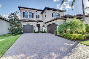 8532 Lewis River Road, Delray Beach, FL 33446