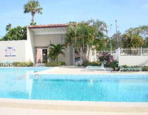 2540 Boundbrook Boulevard, 205, Palm Springs, FL 33406