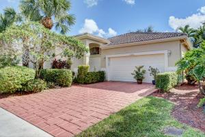 10896 Royal Caribbean Circle, Boynton Beach, FL 33437