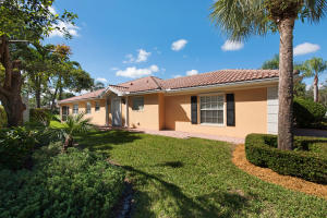 5045 Magnolia Bay Circle, Palm Beach Gardens, FL 33410