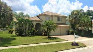 4/3/3 Pool home on lake, 2944 Sq Ft under air
