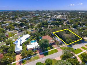 Pool home on huge 17,500 SF LOT in Downtown Delray!