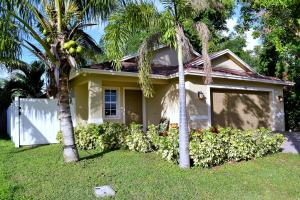 422 Lucky Lane, Delray Beach, FL 33444