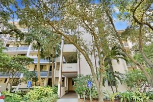 This spacious 2 bed, 2 bath condominium boasts PANORAMIC WATERFRONT VIEWS overlooking John D. MacArthur Beach State Park. This property is perfect for those home buyers looking to add their own personal flare to a space. It truly is a blank canvas in one of the most sought after locations in North Palm Beach.