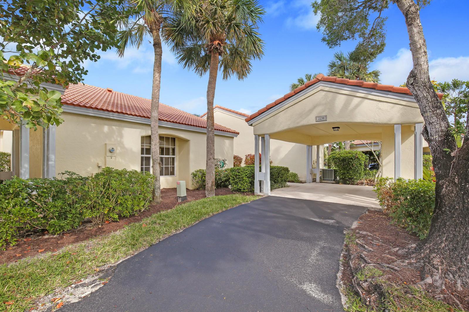 2239 Las Brisas Court, Wellington, Florida 33414, 3 Bedrooms Bedrooms, ,2 BathroomsBathrooms,Villa,For Sale,Palm Beach Polo,Las Brisas,RX-10385255