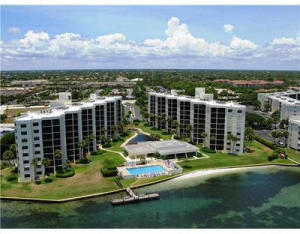 Beautiful 2BR, 2.5 Bathroom Sandpointe Bay Condominium, in the heart of Tequesta, close to Jupiter Marketplace, looking on to the intracoastal and Jupiter Island, with an eastern view. Completely redone, open and bright. Only minutes to the beach!