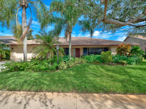 12880 La Rochelle Circle, Palm Beach Gardens, FL 33410