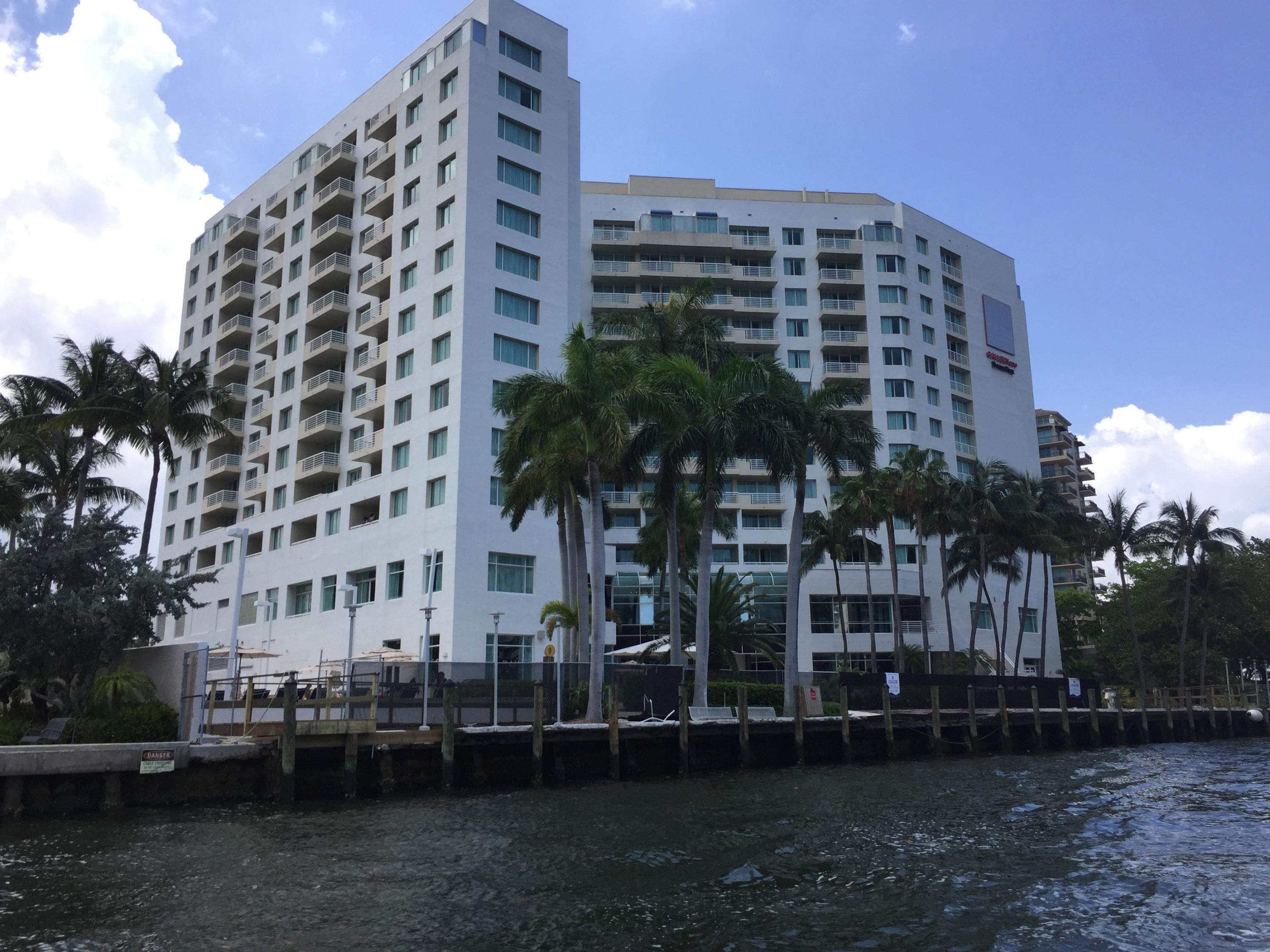 2670 Sunrise Boulevard, Fort Lauderdale, Florida 33304, 1 Bedroom Bedrooms, ,1 BathroomBathrooms,Condo/Coop,For Sale,Sunrise,5,RX-10385804