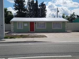 4692 10th Avenue N, Lake Worth, FL 33463