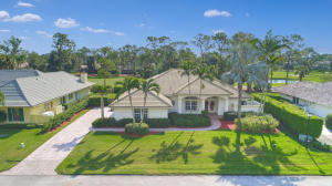 7 Berwick Road, Palm Beach Gardens, FL 33418