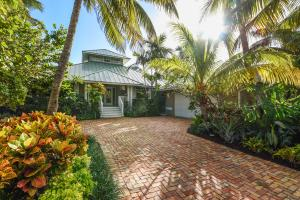 12 Coconut Lane, Tequesta, FL 33469