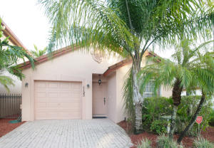 1125 Via Jardin, Riviera Beach, FL 33418