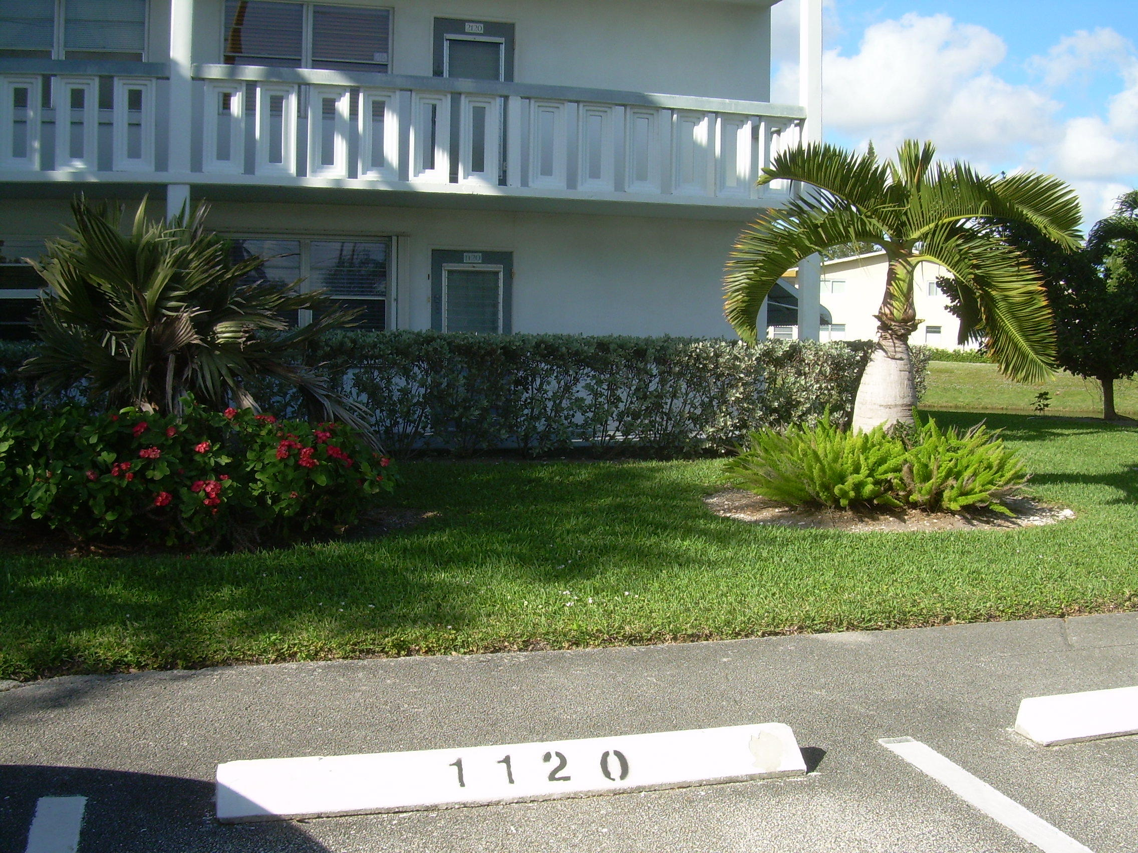 1120 Newport U, Deerfield Beach, Florida 33442, 2 Bedrooms Bedrooms, ,2 BathroomsBathrooms,Condo/Coop,For Sale,Century Village,Newport U,1,RX-10387945
