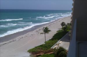 3211 Ocean Blvd., Highland Beach, FL 33487