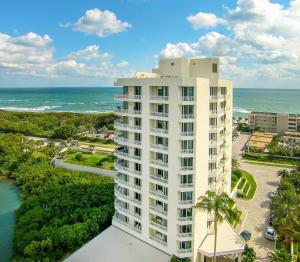425 Beach Road, Tequesta, FL 33469
