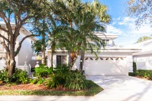 221 Canterbury Drive W, Palm Beach Gardens, FL 33418