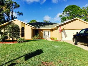 111 SW Chapman Avenue, Port Saint Lucie, FL 34953