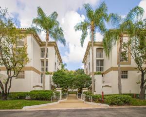 7369 Orangewood Lane, 106, Boca Raton, FL 33433