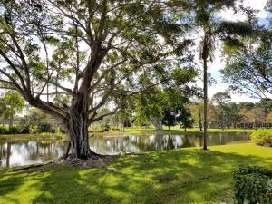 8 Lexington Lane E, C, Palm Beach Gardens, FL 33418