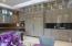 Stunning beauty, high gloss cabinets