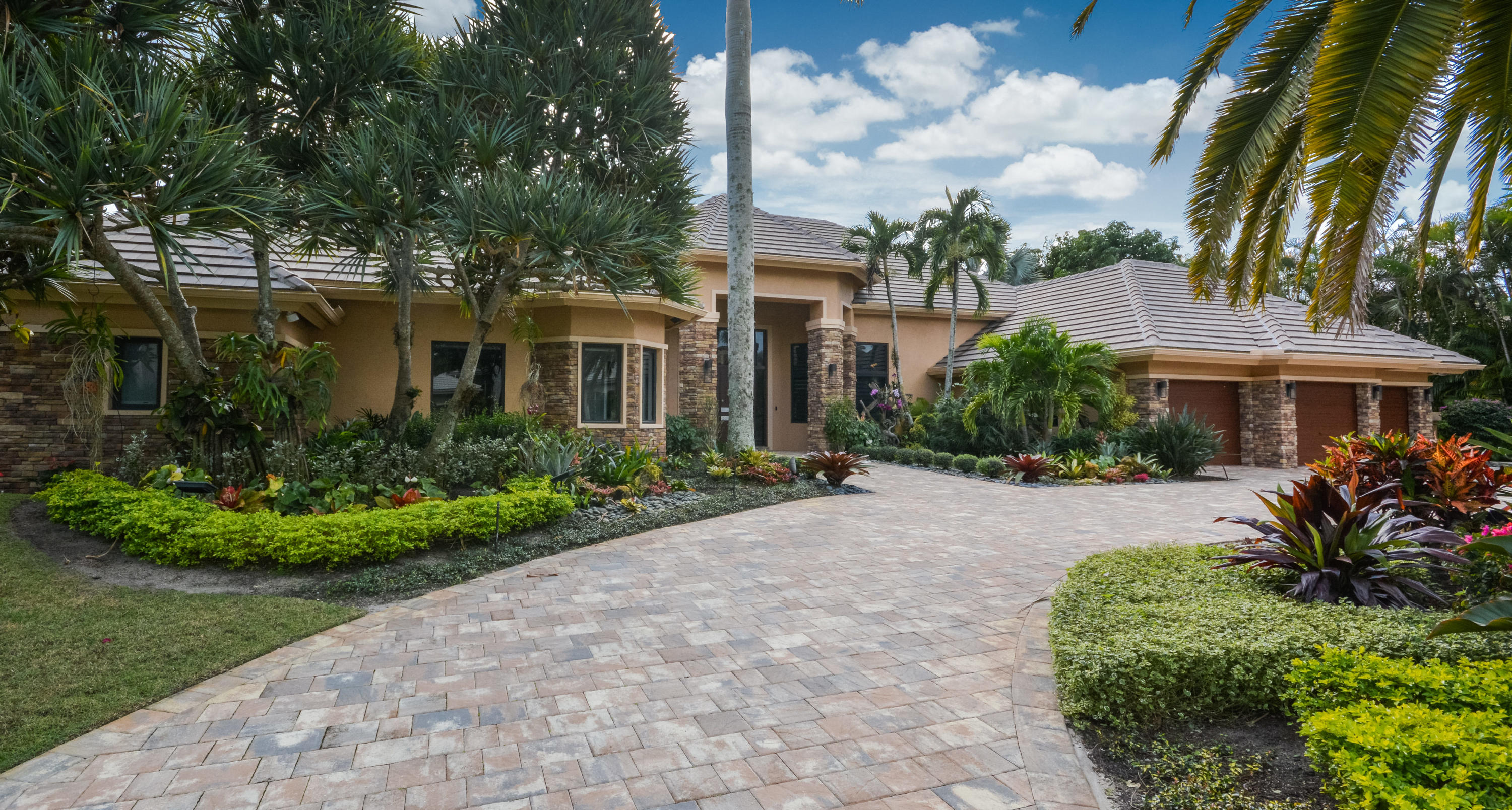 17938 Lake Estates Drive, Boca Raton, Florida 33496, 4 Bedrooms Bedrooms, ,5.1 BathroomsBathrooms,Single Family,For Sale,St Andrews Country Club,Lake Estates,1,RX-10402276