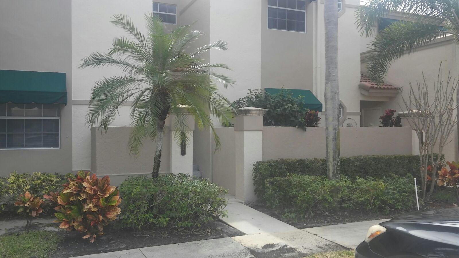 6635 Via Regina Boca Raton, FL 33433