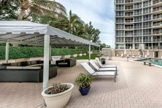 2774 Ocean Boulevard, Palm Beach, Florida 33480, 1 Bedroom Bedrooms, ,1 BathroomBathrooms,Condo/Coop,For Sale,Ocean,4,RX-10395857
