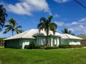 9145 SE Delafield Street, Hobe Sound, FL 33455