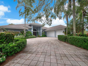 19 Saint James Drive, Palm Beach Gardens, FL 33418