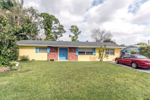 1021 SW 37th Terrace, Palm City, FL 34990