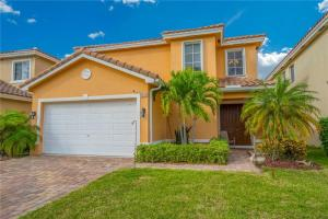 Welcome Home! Wonderful newer built CBS home in the heart of Palm City. Gorgeous interior with beautiful upgrades through-out!