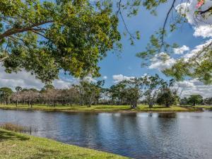 19 Lexington Lane W, F, Palm Beach Gardens, FL 33418