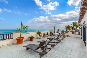 2601 Ocean Boulevard, Gulf Stream, FL 33483