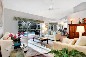 10214 Hunt Club Lane, Palm Beach Gardens, FL 33418