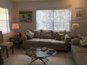 208 Dorchester I, West Palm Beach, FL 33417