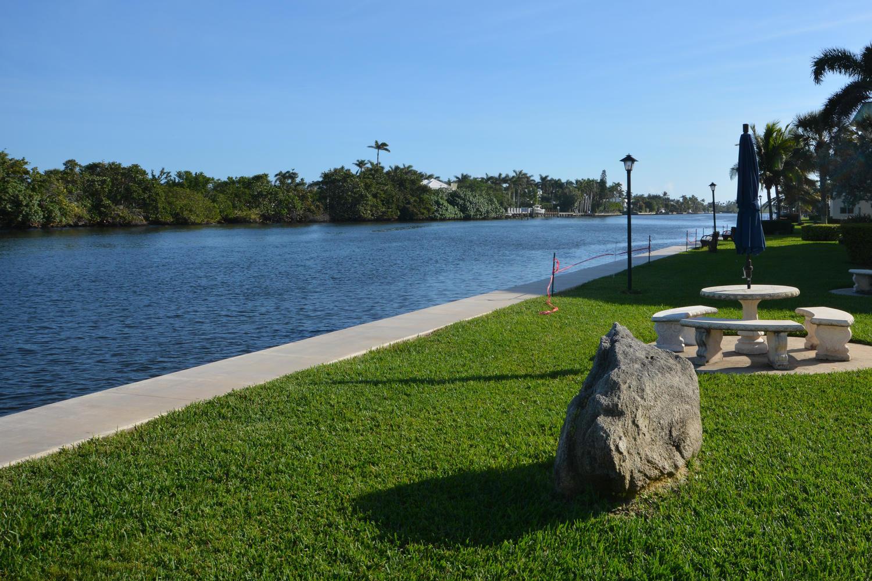 35 Colonial Club Drive, Boynton Beach, Florida 33435, 2 Bedrooms Bedrooms, ,2 BathroomsBathrooms,Condo/Coop,For Sale,Colonial Club,2,RX-10403971