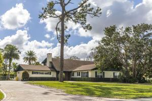 8057 Damascus Drive, Palm Beach Gardens, FL 33418