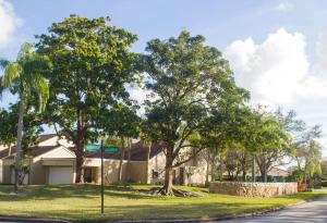 41 Balfour Road E, Palm Beach Gardens, FL 33418