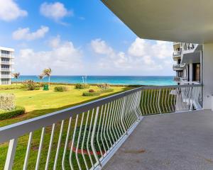 2100 S Ocean Boulevard, 204 N, Palm Beach, FL 33480