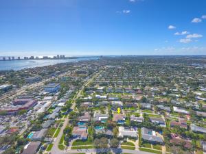 413 Oyster Road, North Palm Beach, FL 33408