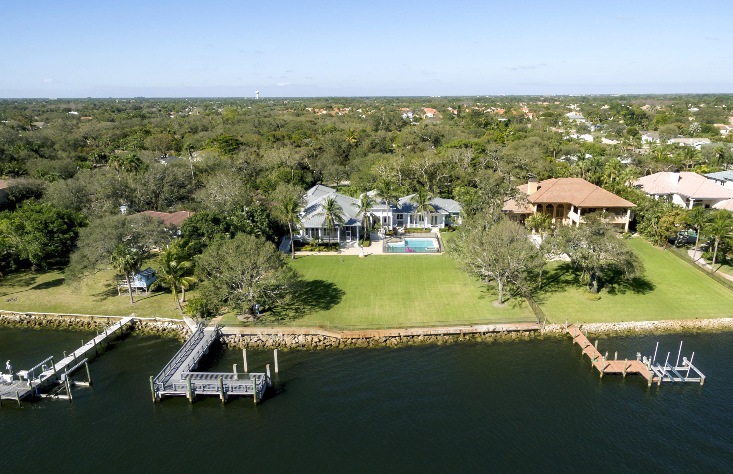 Palm Beach Gardens Waterfront properties for sale