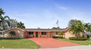 518 Iris Circle, Palm Beach Gardens, FL 33410
