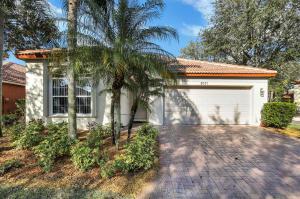 8071 Via Hacienda, Palm Beach Gardens, FL 33418