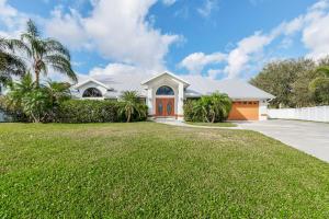 407 SE Duff Court, Port Saint Lucie, FL 34984